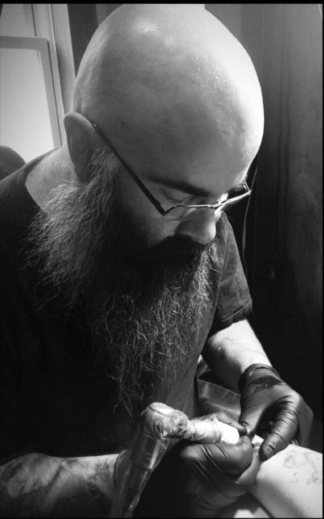 Les Hayes tattoo Artist